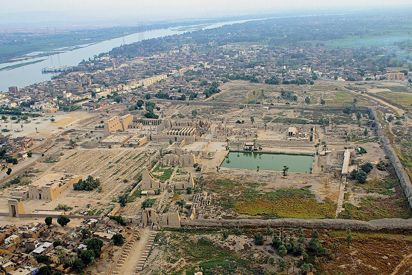 Overview image of the karnak temples in Egypt