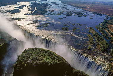 Overview image of the Victoria Falls in Zimbabwe
