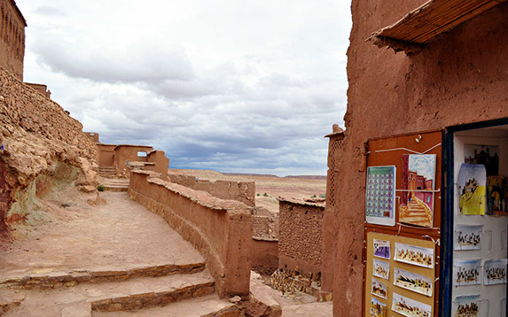 The experience through the Aït-Benhaddou mud-brick fortress city is breathtaking